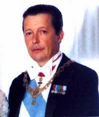 Nella foto a sinistra, S.A.R. Don Carlos Maria Alfonso Marcel, Losanna, 16 gennaio 1938, membro della dinastia Regnante dei Borbone-Due Sicilie, ... - 201103_24